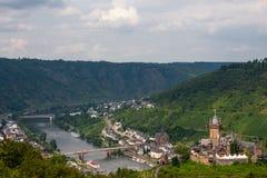 Château de Cochem au-dessus de fleuve de la Moselle images stock