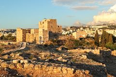 Château de croisé de Byblos au coucher du soleil, Liban Photo libre de droits