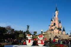 Château de Disneyland Paris pendant les célébrations de Noël Image stock