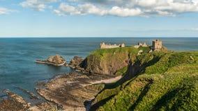 Château de Dunnotar sur la côte écossaise Images libres de droits