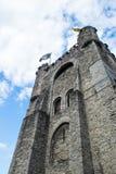 Château de Gravensteen avec des drapeaux, Ghante, Belgique Photos stock