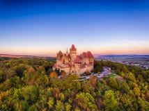 Château de Kreuzenstein dans le village de Leobendorf près de Vienne en Autriche images libres de droits