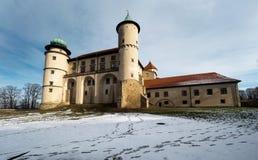 Château de la Renaissance dans le nicz de› de Nowy WiÅ dans le paysage d'hiver Image stock