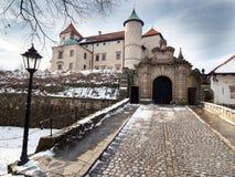 Château de la Renaissance dans le nicz de› de Nowy WiÅ dans le paysage d'hiver Photo libre de droits