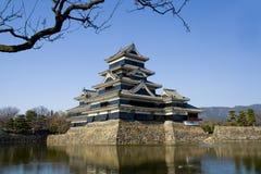 Château de Matsumoto, vue occidentale du sud. Images stock