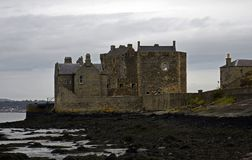 Château de noirceur un emplacement d'outlander en Ecosse Photos libres de droits