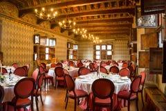 Château de Pavone Canavese, le 28 mai 2016 Tableau mis pour une pièce d'événement Photographie stock