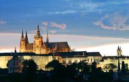 Château de Prague la nuit Image libre de droits