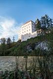Château de skala de Piskova en vallée d'Ojcow en Pologne du sud photographie stock