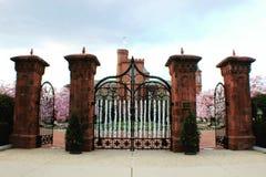 Château de Smithsonien au printemps images libres de droits