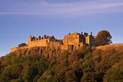 Château de Stirling dans un coucher du soleil d'automne Image libre de droits
