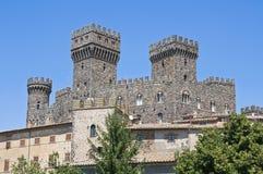Château de Torre Alfina. Le Latium. l'Italie. image stock