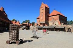 Château de Trakai avec les murs rouges de bricka Bâtiment médiéval photos libres de droits