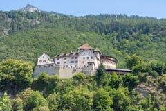 Château de Vaduz sur la colline photographie stock