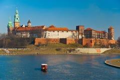 Château de Wawel et fleuve de Vistula à Cracovie, Pologne Photo stock