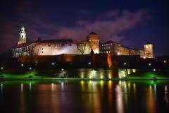Château de Wawel situé chez le fleuve Vistule à Cracovie P Image libre de droits