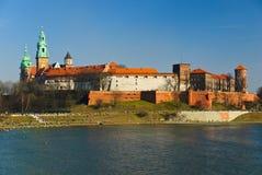 Château de Wawel sur le fleuve de Vistula, Cracovie, Pologne Image stock