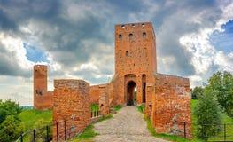 Château en Europe centrale sous des nuages de tempête images libres de droits