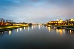 Château et fleuve Vistule de Wawel à Cracovie, Pologne Image stock