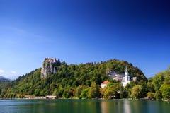 Château et lac saignés Images libres de droits