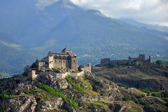 Château et monastère alpestres, Suisse Photos stock