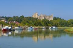 Château et rivière Arun, le Sussex occidental, Angleterre R-U d'Arundel photo stock
