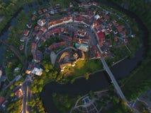 Château et ville de Loket image stock