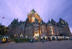 Château Frontenac au crépuscule, Québec image stock