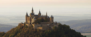 Château Hohenzollern en automne Photographie stock