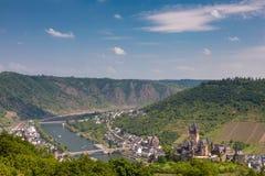 Château impérial de Cochem au-dessus de la rivière la Moselle photos stock