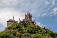 Château impérial de Cochem au-dessus de la rivière la Moselle photo stock