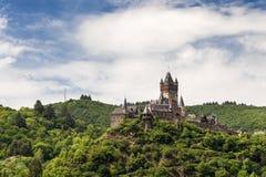 Château impérial de Cochem au-dessus de la rivière la Moselle image stock
