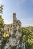 Château Lichtenstein avec la porte et le pont-levis d'entrée images stock