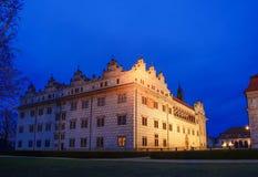 Château Litomysl dans ewening LA CZ Photos stock