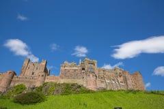Château médiéval anglais Bamburgh le Northumberland Angleterre est du nord R-U image stock