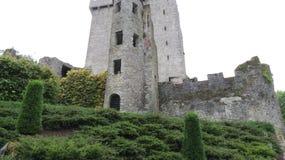 Château médiéval de cajolerie dans le liège du comté, Irlande Images stock