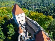 Château médiéval Kokorin Vue de tour principale, Kokorinsko, République Tchèque Photo stock