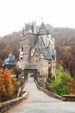 Château médiéval pittoresque d'Eltz de Burg à l'Allemand de vallée du Rhin image stock