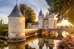 Château ou château de la Salir-sur-Loire au coucher du soleil, France images libres de droits