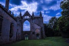 Château pendant la nuit Photo stock