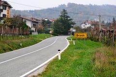Château Rihenberk Kras de région de Gorica Karst Primorska de vue de village de Branik Slovénie Photos stock