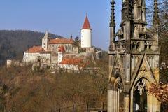 Château romantique avec la tour image stock