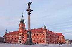 Château royal à Varsovie et colonne de Sigismund, Pologne Images libres de droits