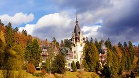 Château royal célèbre de Peles - Sinaia - Roumanie Photographie stock