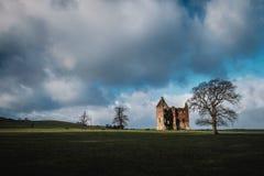 Château ruiné par vintage Photos libres de droits