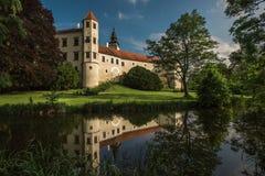Château spectaculaire Telc, une ville en Moravie, un site de patrimoine mondial de l'UNESCO dans la République Tchèque, l'Europe Photos stock