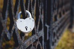 Château sur le symbole de barrière de l'amour Image libre de droits