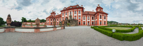 Château Troja dans le panorama de Prage Photos stock