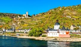 Châteaux de Pfalzgrafenstein et de Gutenfels dans la vallée du Rhin, Allemagne images stock