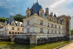 Château de Villandry, Γαλλία Το κεντρικό κτίριο και το περιβάλλον κανάλι Στοκ Εικόνες